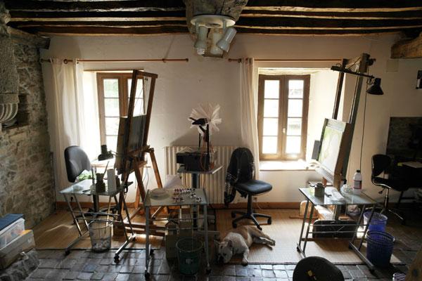 2 places disponibles près des fenêtres de l'atelier