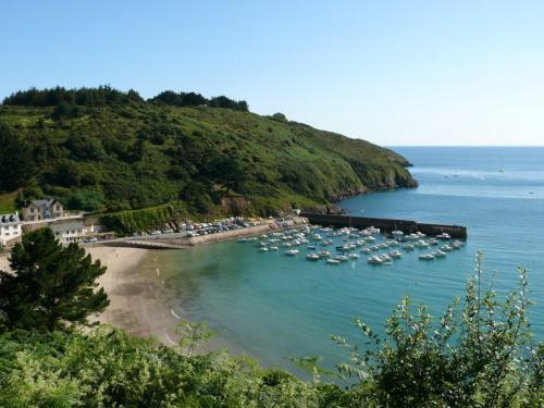 Port et plage de Bréhec