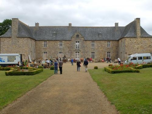 vide-grenier au chateau